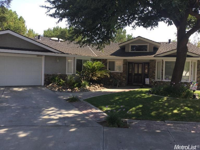 1800  Crescent Ct, Los Banos, CA 93635