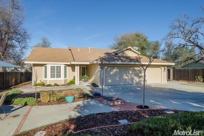 521 Newman St, Diamond Springs, CA 95619