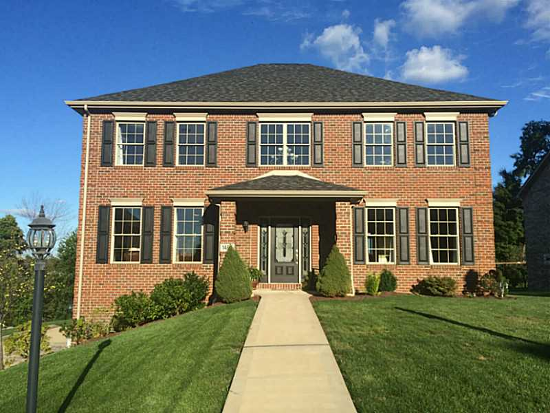 1407  Willow Heights Dr, Irwin, PA 15642