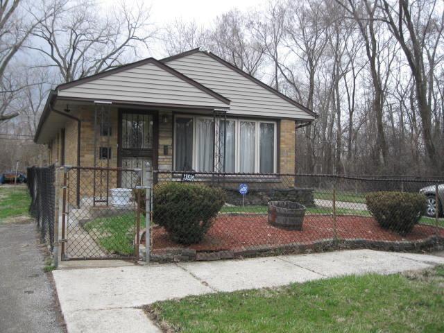 13530 S Monticello Ave, Robbins, IL 60472