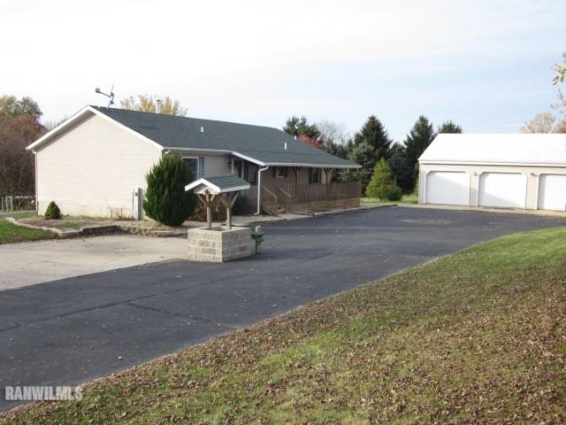 7264 E German Valley Rd, German Valley, IL 61039