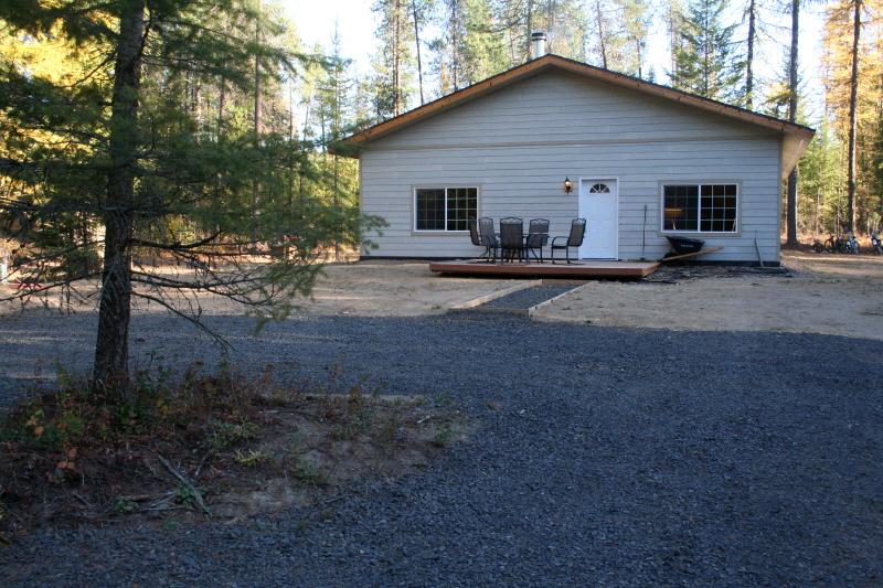 11312 E Whispering Pines Rd, Elk, WA 99009