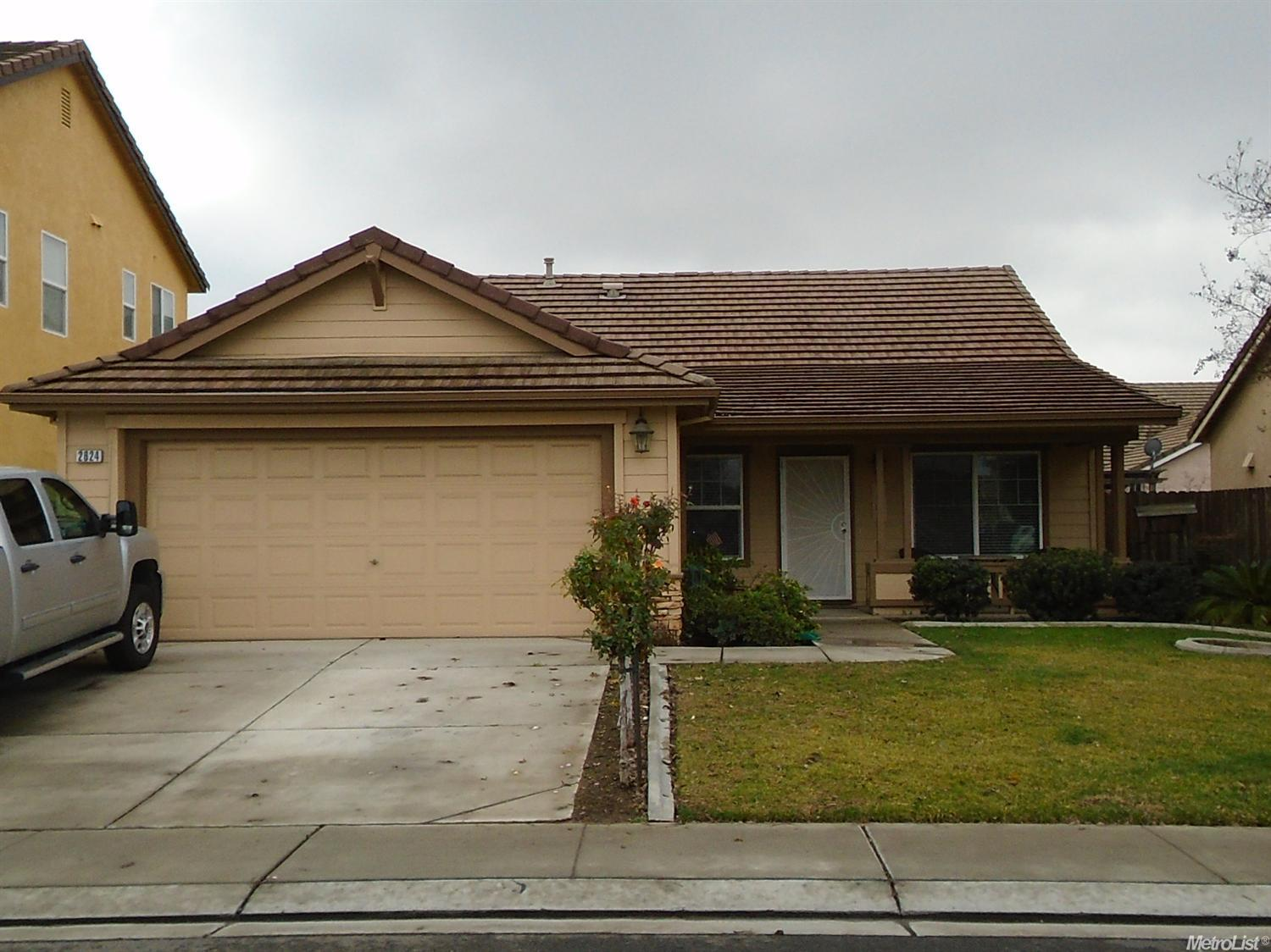 2624  Silverbell Dr, Riverbank, CA 95367