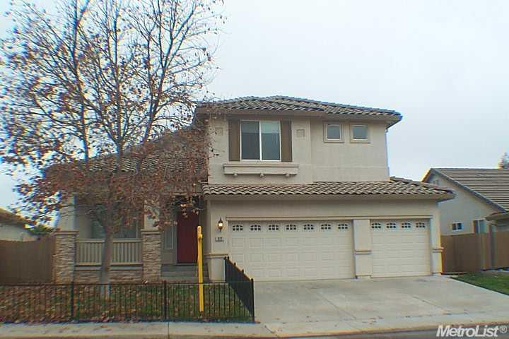 977  Park Terrace Dr, Galt, CA 95632