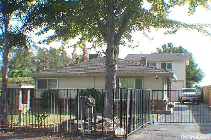 7728  Victory Ave, Sacramento, CA 95828