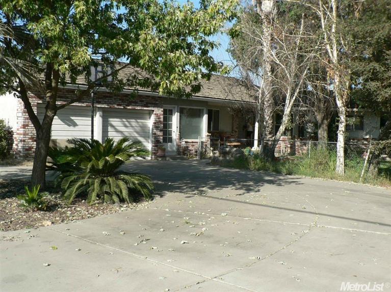 606 S Johnson Rd, Turlock, CA 95380