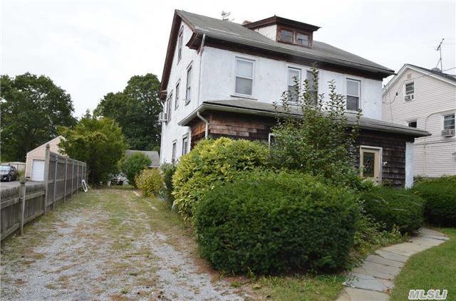 221  Grove Ave, Cedarhurst, NY 11516