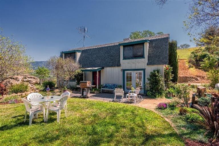 37345  Pebble Ln, Squaw Valley, CA 93675