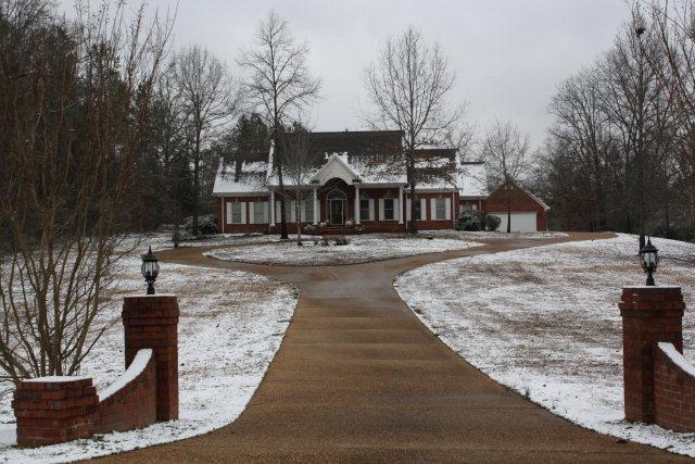 385  Deer Run, Batesville, MS 38606
