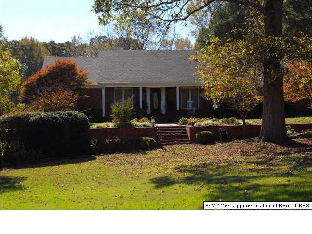 8365 W Oak Grove, Hernando, MS 38632