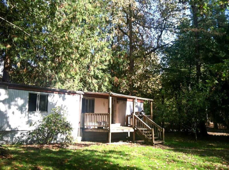 131 Chief Kiona Rd, Silver Creek, WA 98585