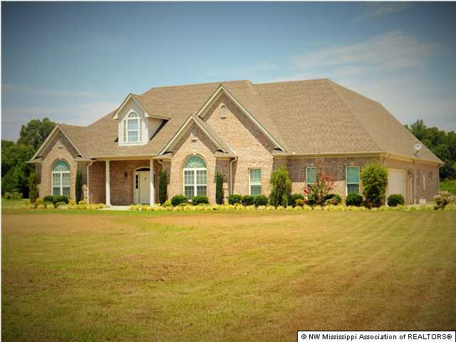 573  Golden Pond Drive Dr, Coldwater, MS 38618