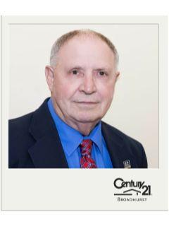 Jeff Lawyer of CENTURY 21 Broadhurst