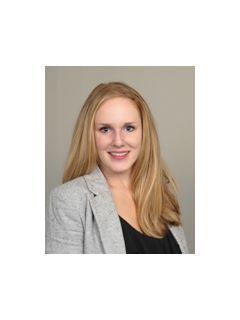Chelsey Bennett - Real Estate Agent