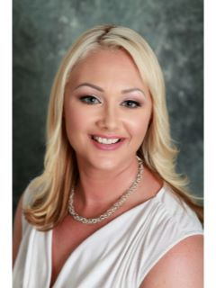 Alexis Salazar - Real Estate Agent