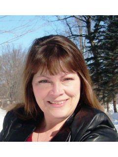 Lynda Risch of CENTURY 21 Moline Realty, Inc