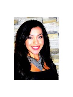 Aurora Perez - Real Estate Agent
