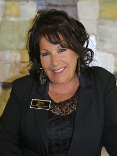 Lisa Stagnaro-Dean of CENTURY 21 M&M and Associates