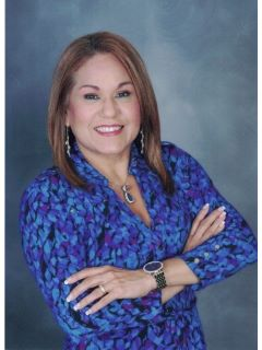 Laura Diaz of CENTURY 21 Muniz Realty