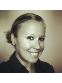 Lindsay Jones - Real Estate Agent