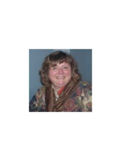 Lori Adams of CENTURY 21 Winklhofer
