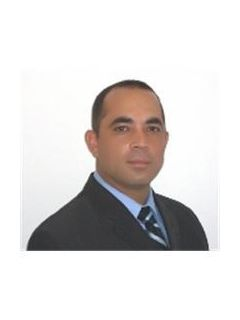 Rob Santos of CENTURY 21 Link Realty, Inc.