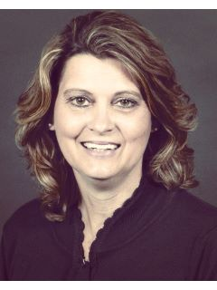 Dee Moore - Real Estate Agent