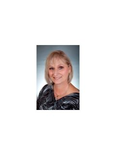 Wanda Barlow of CENTURY 21 Hardee-Team Realty
