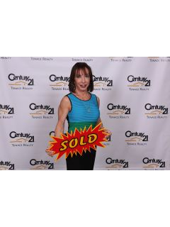 Yvonne Biondo - Real Estate Agent