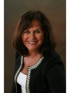 Suzanne Chapman of CENTURY 21 Blackwell & Company Realty