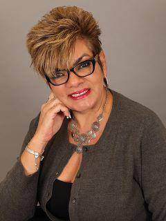 Jeanette Ferreira - Real Estate Agent