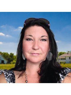 Theresa Fernandez - Real Estate Agent