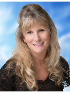 Lisa Hayes of CENTURY 21 Award