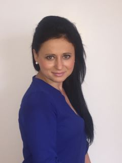 Maggie Malyszko - Real Estate Agent