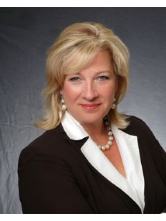 Evonne Ganz of CENTURY 21 Premier Group