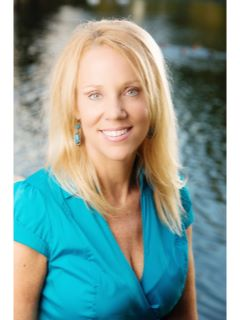 Robyn Brown of CENTURY 21 M&M and Associates