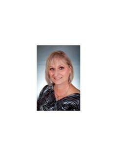 Wanda Barlow of CENTURY 21 Hardee-Team Realty