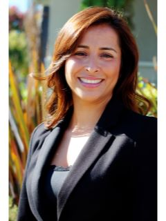 Leslie Cruz - Real Estate Agent