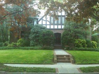 Home For Sale at 15 Denman Pl, Elizabeth NJ