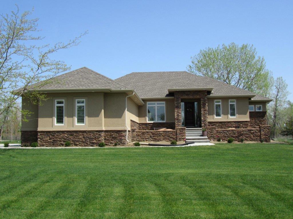 401 Hiddenwood Hollow, Jefferson, South Dakota 57038