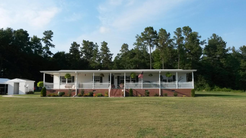 209 Gemstone Ct., Fairmont, North Carolina 28340