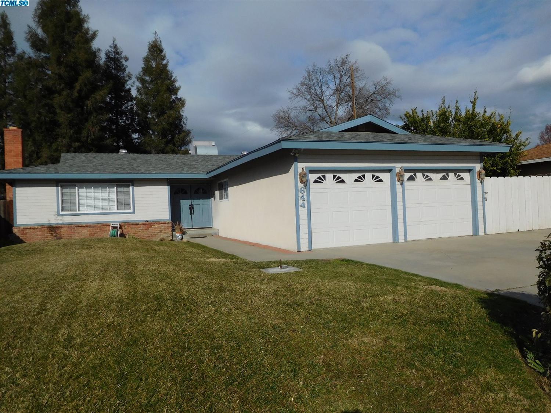 644 W Cambridge Ave, Visalia, California 93277