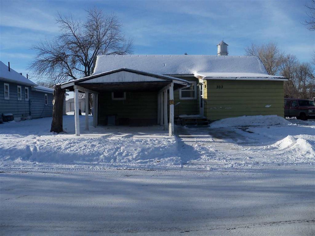 303 High Street, Drake, North Dakota 58763