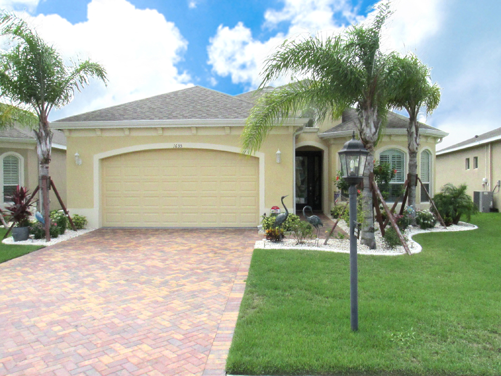 1635 Emerald Dunes Dr, Sun City Center, Florida 33573
