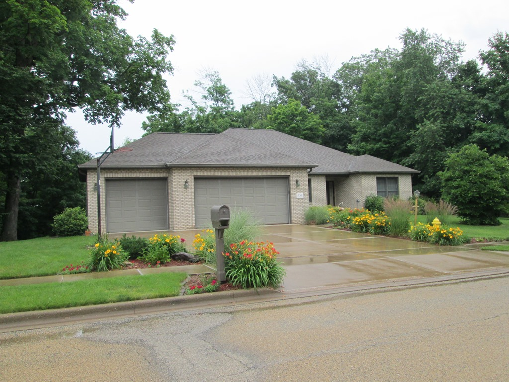 136 Fawn Haven Drive, East Peoria, Illinois 61611