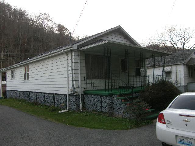 20126 Ky. Rt. 122, Bevinsville, Kentucky 41605