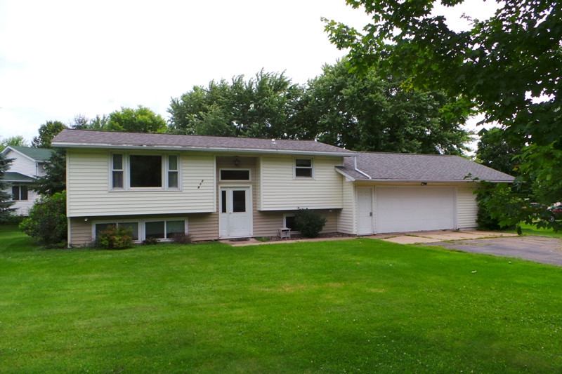 214 S 6th Street, Abbotsford, Wisconsin 54405