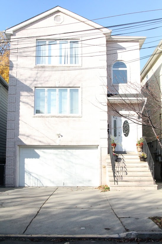 510 William St, Harrison, New Jersey 07029