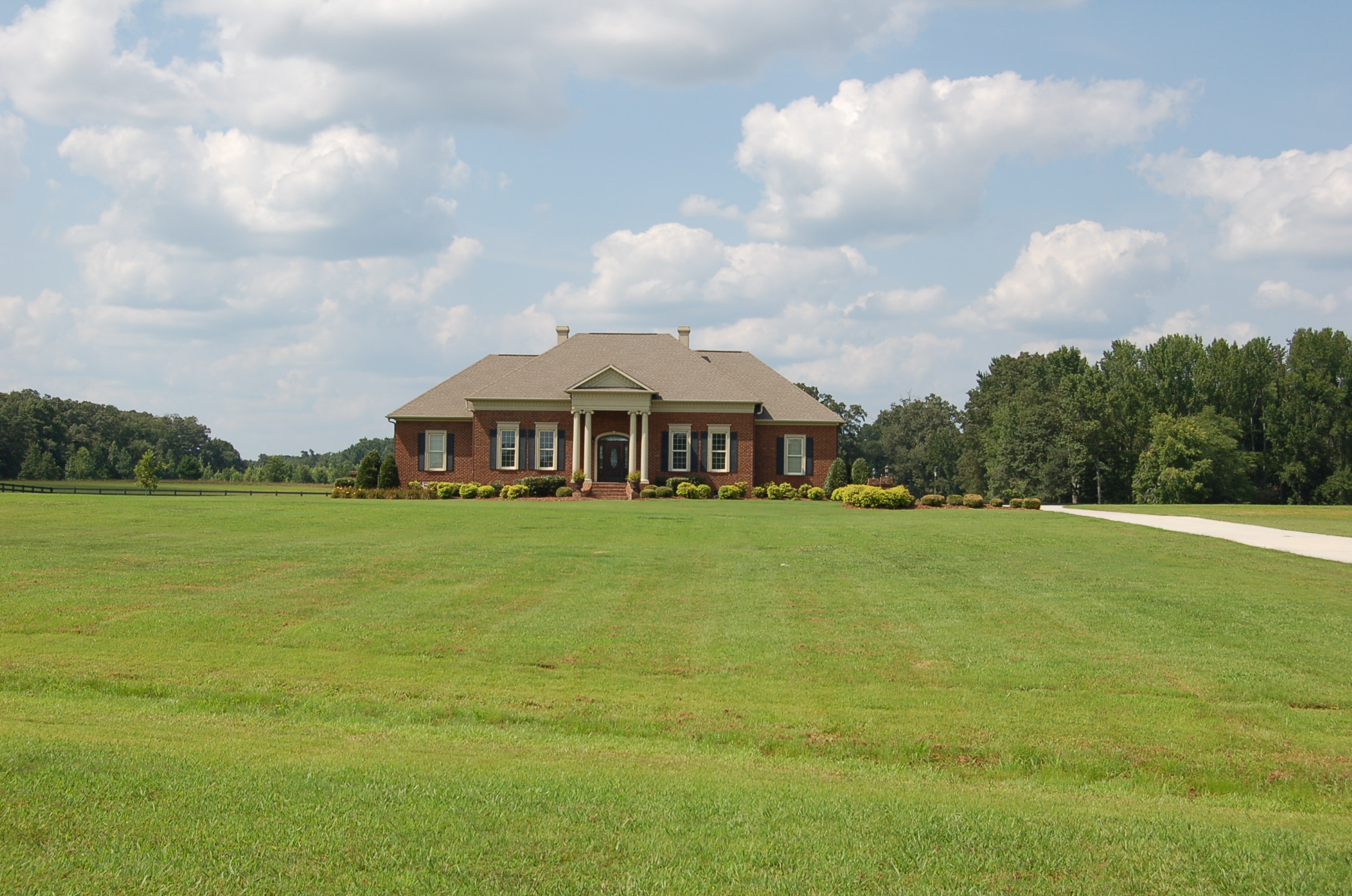 26453 Thach Road, Athens, Alabama 35613