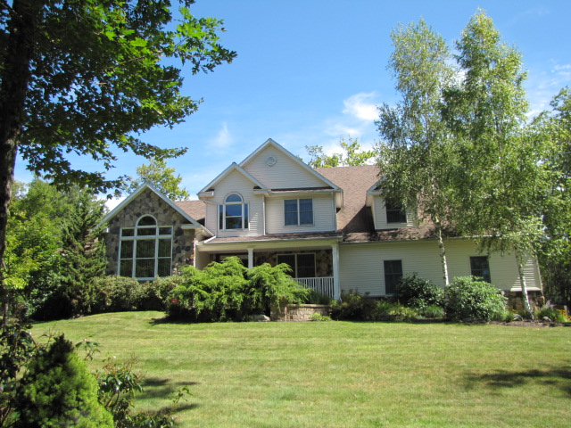 400 Sandspring Road, Bear Creek, PA 18702